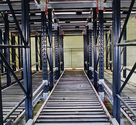 Estanterias de paletizacion metalkom palets for Perfiles de estanterias metalicas